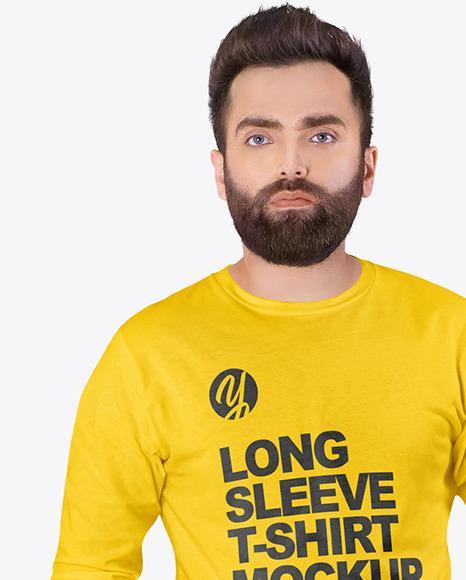 Men in Crew Neck Long Sleeve Shirt